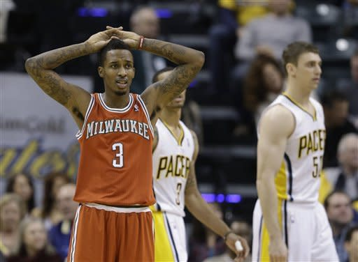Hibbert powers Pacers past Bucks 95-80