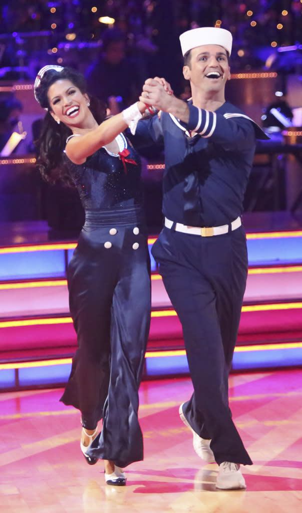 Melissa Rycroft and Tony Dovolani (11/12/12)