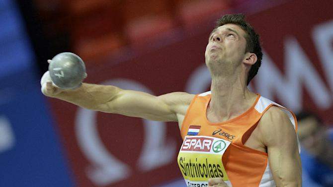 The Netherlands' Eelco Sintnicolaas competes in shot put at the men's heptathlon during the Athletics Indoors European Championships in Gothenburg, Sweden, Saturday, March 2, 2013. (AP Photo/Martin Meissner)