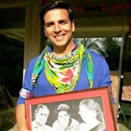 Akshay Kumar Touched By A Gift From His West Bengal Fans