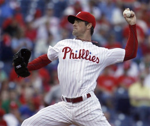Hamels pitches 8 shutout innings, Phils beat Nats