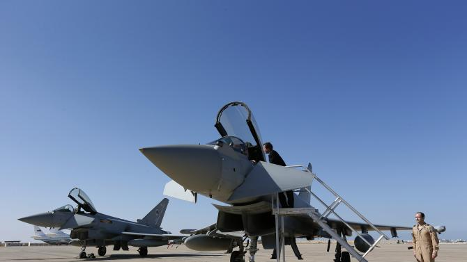 BAE signs $4.1 billion aircraft deal with Oman
