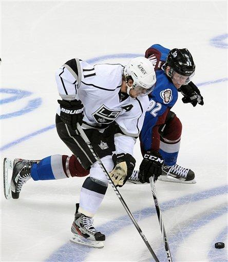Stastny scores twice as Avs rout Kings, 4-1