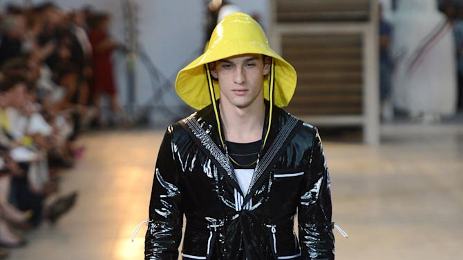 Moncler Gamme Bleu - Mens Spring Summer 2013 Runway - Milan Menswear Fashion Week