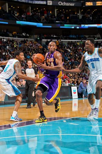 Bryant, Lakers roar back against Hornets, 108-102
