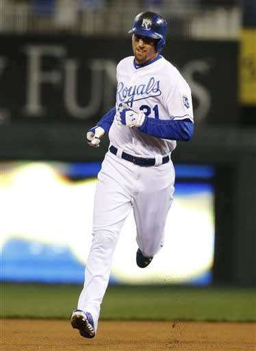 Butler, Francoeur homer as Royals beat Twins 3-0