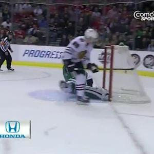 Patrick Kane beats Lehtonen on the breakaway
