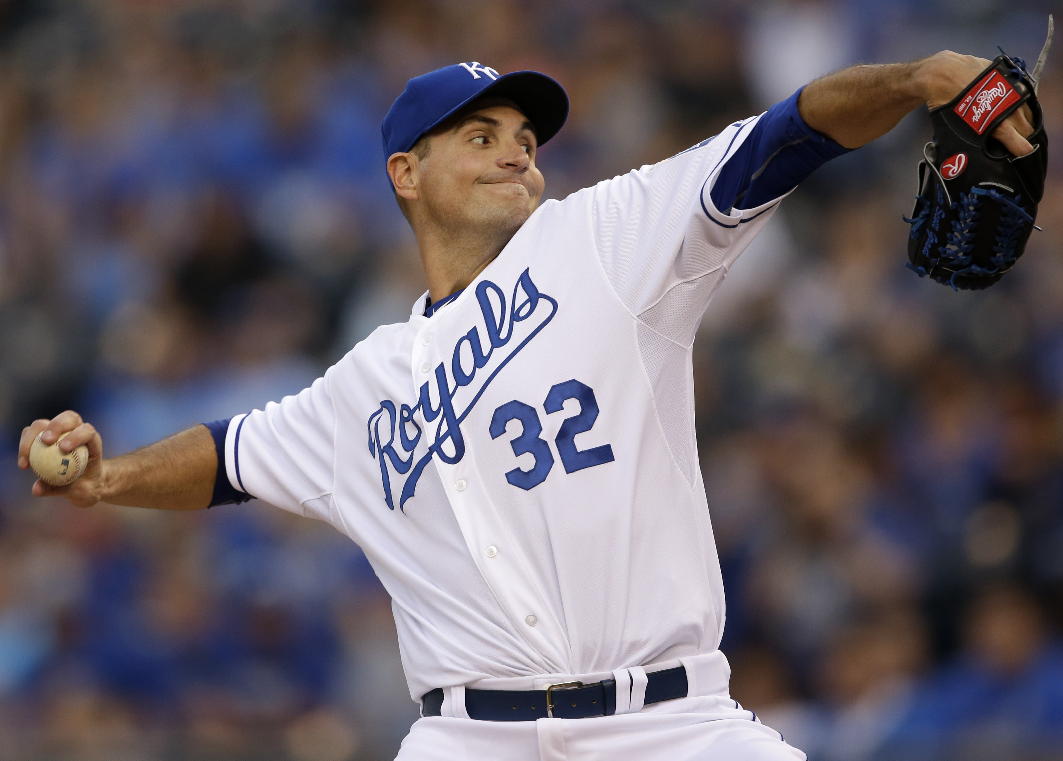 Young throws 5 no-hit innings in Royals' 4-1 win over Tigers