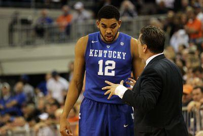 College basketball schedule and results: Kentucky goes for 30-0, Kansas hosts WVU
