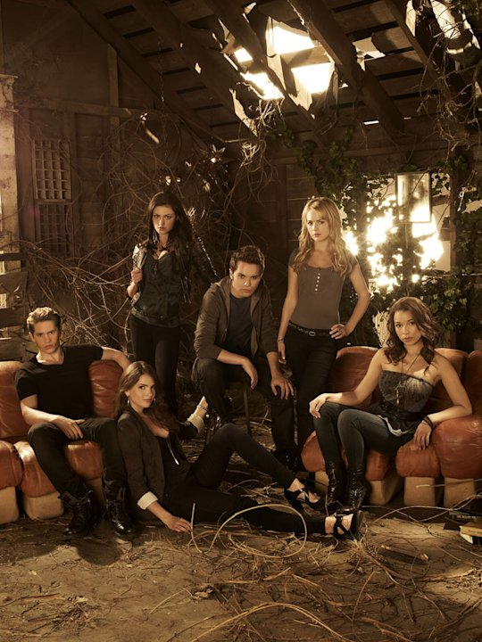 "The cast of ""The Secret Circle."""