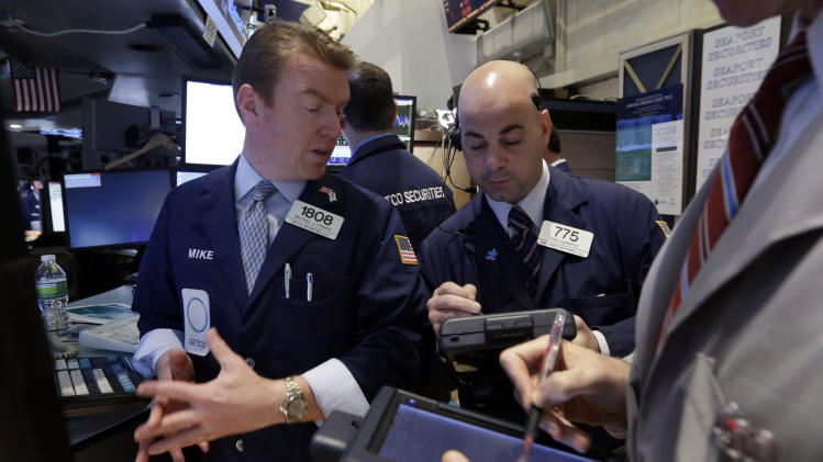 Stocks stall on tepid US economic growth