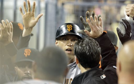 Lincecum walks 7 in Giants' win over Dodgers