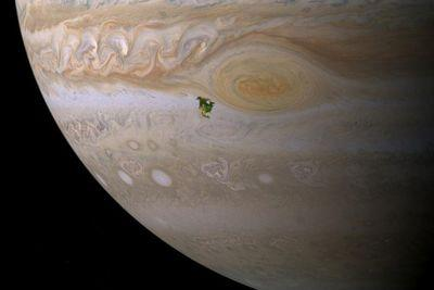 11 images that capture the incredible vastness of space