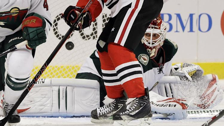 Backstrom leads Wild past Blackhawks 5-3