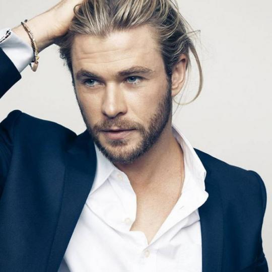 """Chris Hemsworth: """"Hollywood Is Set Up To Turn You Into A Complete Narcissist"""""""
