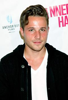 Shawn Pyfrom Returning to Desperate Housewives