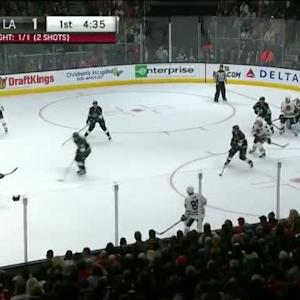 Jonathan Quick Save on Duncan Keith (15:27/1st)