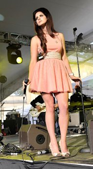 Lana Del Rey does pink 'fit and flare' at House Festival 2012