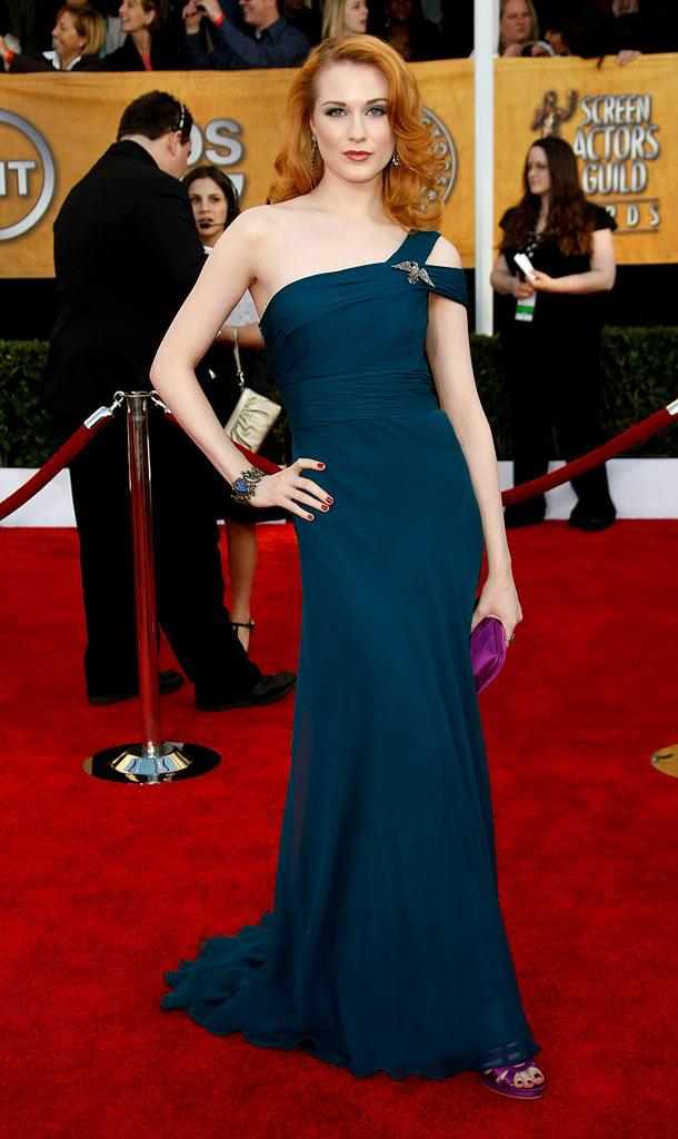 Evan Rachel Wood arrives at the 15th Annual Screen Actors Guild Awards held at the Shrine Auditorium on January 25, 2009 in Los Angeles, California.