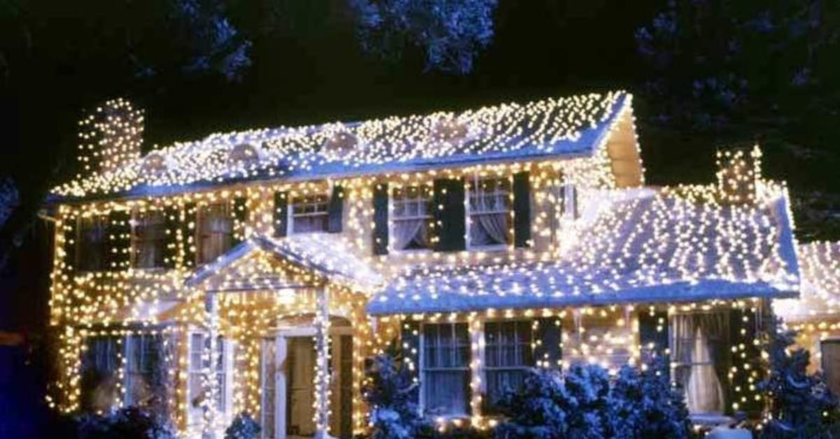 14 National Lampoon's Christmas Vacation Mistakes