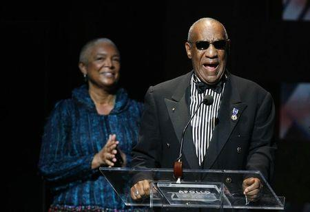 Cosby's wife must give deposition in civil suit, judge rules