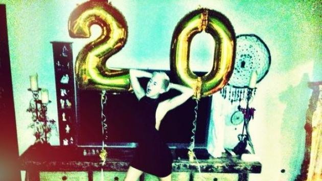 Miley Cyrus celebrates her 20th birthday on November 23, 2012 -- Twitter