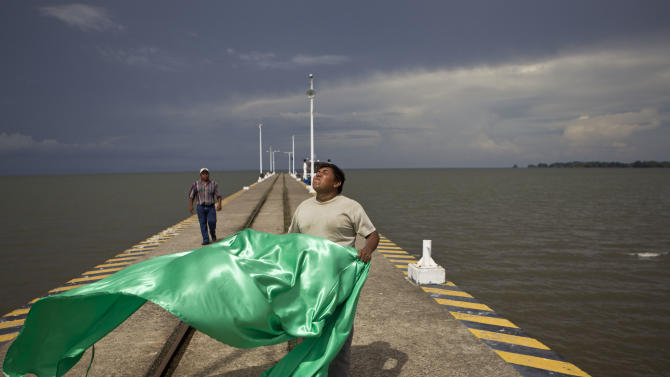 Nicaragua rushes on for canal deal with Chinese