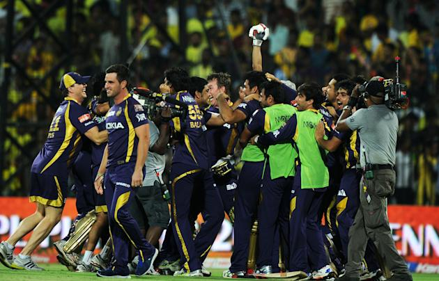 Kolkata Knight Riders cricketers celebra