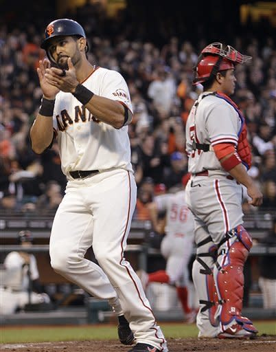 Madison Bumgarner pitches Giants past Phillies
