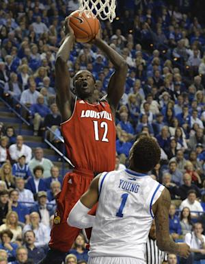 No. 18 Kentucky tops No. 6 Louisville, 73-66
