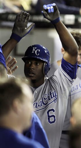 Cain hits 2 homers, Royals beat White Sox 7-5