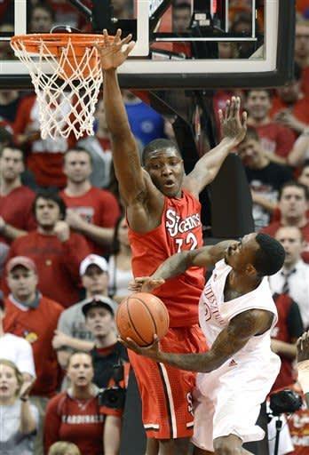 No. 12 Louisville outlasts St. John's 72-58