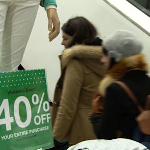Holiday shoppers looking harder for the best bargains