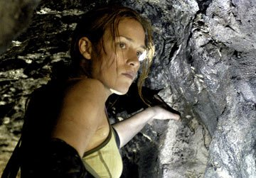 Piper Perabo in Screen Gems' The Cave