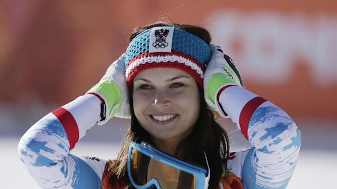Fenninger wins Olympic super-G; Hoefl-Riesch 2nd