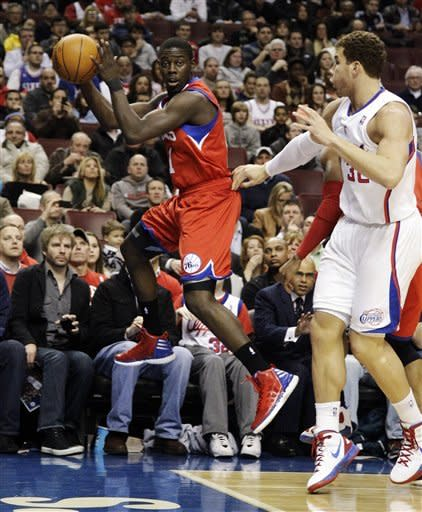 Paul lifts Clippers over Sixers 78-77