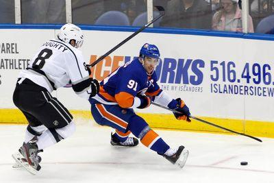 John Tavares steals Drew Doughty's stick, throws it away emphatically