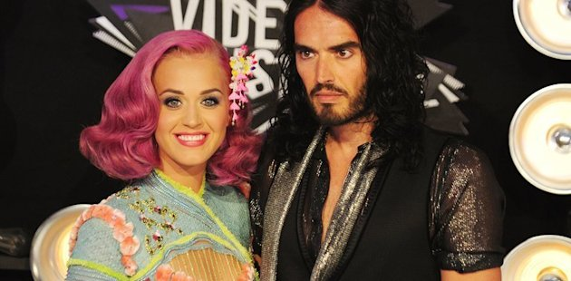 Katy Perry and Russell Brand arrive for the 2011 MTV Video Music Awards in Los Angeles, California on August 28, 2011