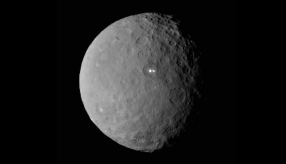 Mystery Spot on Dwarf Planet Ceres Has Mysterious Partner (Photos)