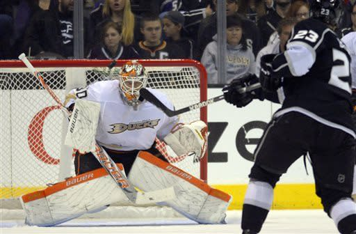 LA Kings hold off Ducks 2-1 in rivalry game