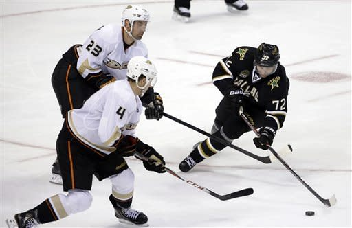 Ducks slip past Stars in shootout