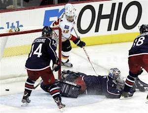 Iginla's goals spur Flames past Jackets, 2-1 in SO