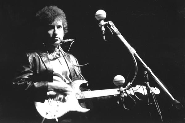 Bob Dylan's Newport Folk Festival Guitar Set for Auction