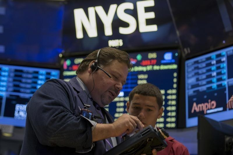 Wall St declines on China fears, weak profit expectations