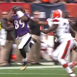 Baltimore Ravens quarterback Joe Flacco 32-yard pass to Steve Smith