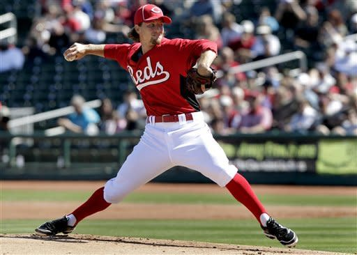 Rolen gets 2 hits as Reds and Indians tie 6-6