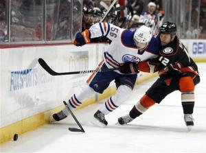 Oilers beat Ducks 2-1 in Anaheim's home finale