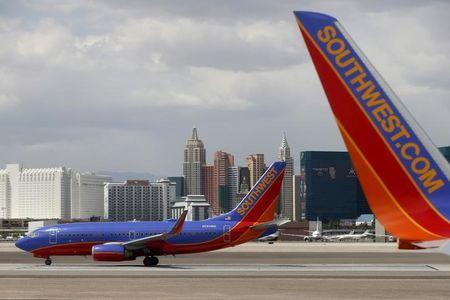 Southwest Airlines halts flights after technical outage