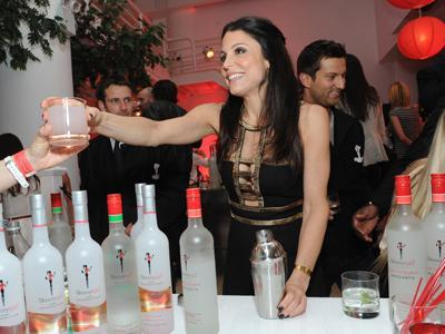 Bethenny Frankel Introduces New Skinnygirls