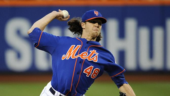 Mets get gift, beat Phillies 4-1 behind deGrom